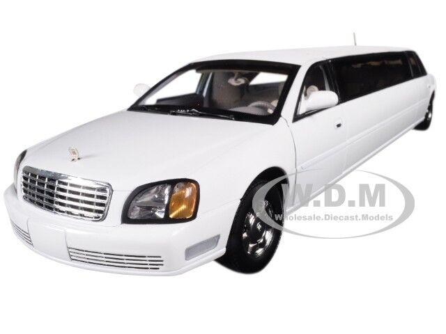 2004 CADILLAC DEVILLE LIMOUSINE WHITE 1 18 DIECAST MODEL CAR BY SUNSTAR 4232