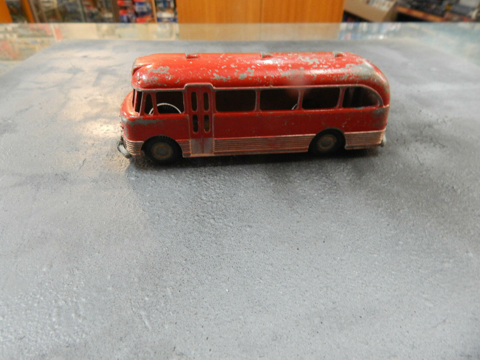 Micro Models G 31 Bedford Bus