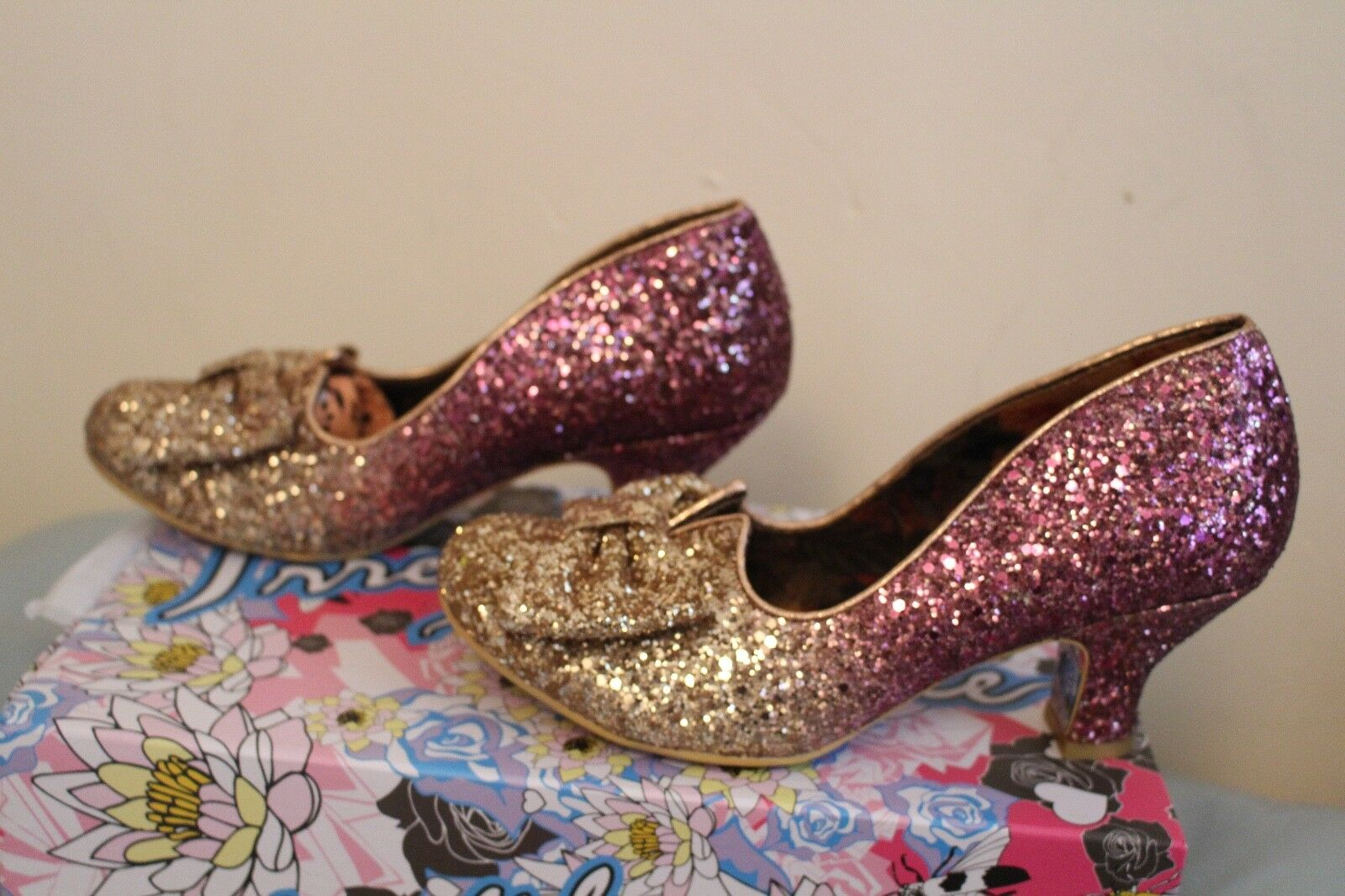 IRREGULAR CHOICE CHOICE CHOICE Fancy That Pink gold Glitter Bow low heels  sz 4 BNIB 5f665a