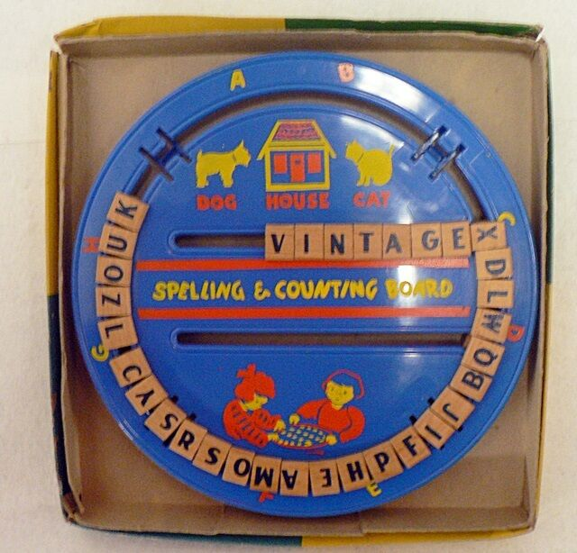 OLD VINTAGE SPELLING & COUNTING BOARD IN ORIGINAL BOX