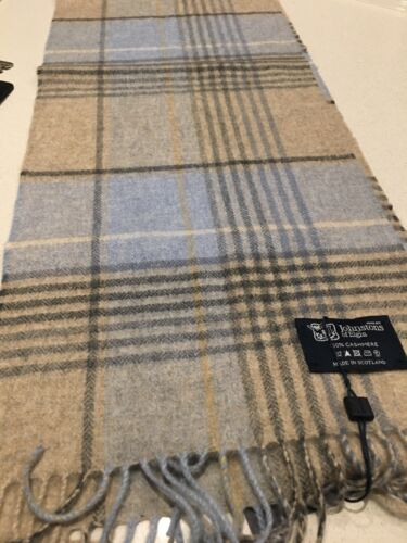 Johnstons of Elgin Blue Beige Check pure cashmere scarf new with tags warm