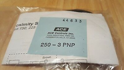 Ace Controls Stoplight 250-3PNP Proximity Switch with hardware