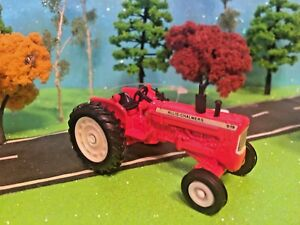 Allis-Chalmers-Tractor-Model-D19-ERTL-Vintage-Collector-1-64-Scale-Farm-Toy