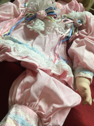 Royal Treasures 23 Pink Dress ? Vickie Walker 462/2000 Porcelain Doll AMY