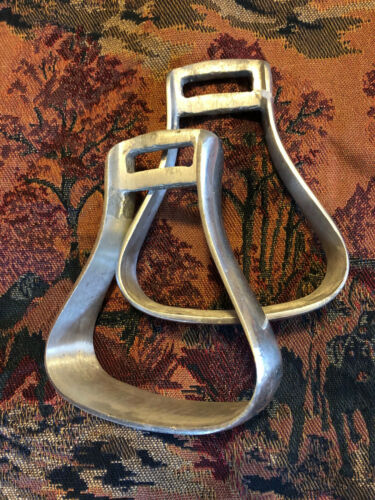 Pair of Vintage Lightweight Aluminum Silver Paso Fino Western Show Stirrups #14