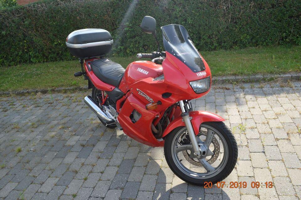 Flot Yamaha XJ600S