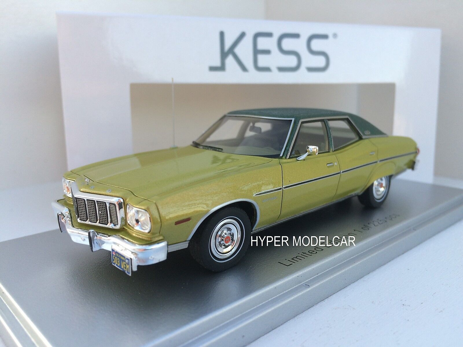 KESS modellllerL 1  43 Ford Gran Torino Brougham 4 -dörr 1976 grön Met.KE43015031