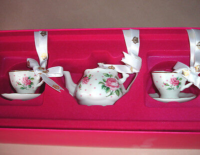Royal Albert New Country Roses Ornament 3 PC Mini Teapot Cup/Saucer Cheeky Pink
