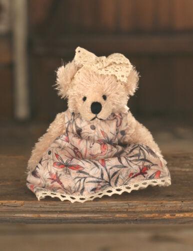 Teddy Bear /'Winnie/' Settler Bears Handmade Dress Collectable Gift 15cms NEW