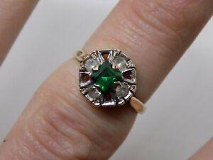 9CT oro verde y claro Anillo de piedras preciosas. tamaño L 1/2. Full English distintivos