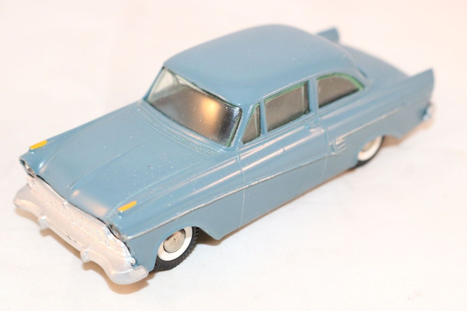 Tekno Denmark 823 Ford Taunus 17M 17 M bleu near mint all original condition