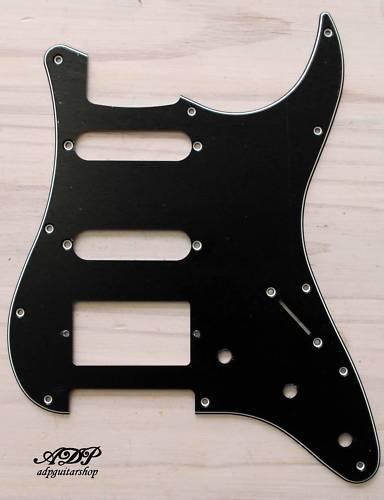 holes Start Black Pickguard SSH pour Stratocaster Noir 3 ply 11 trous