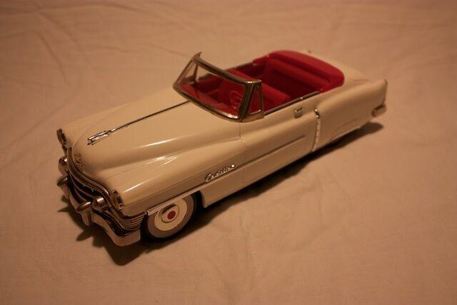 Fifcravates Tin années 50 Cadillac cabriolet open  Eldorado DIE-CAST Comme neuf boxed 1 18  est réduit