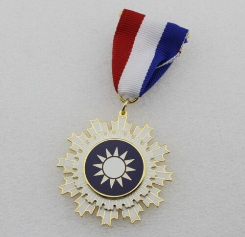 Repro CHINA CHINESE Kuomintang KMT Medal Order of Blue Sky and White Sun Medal