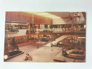 Postcard-MN-Minneapolis-Southdale-Shopping-Center-Interior-1957-Skylights