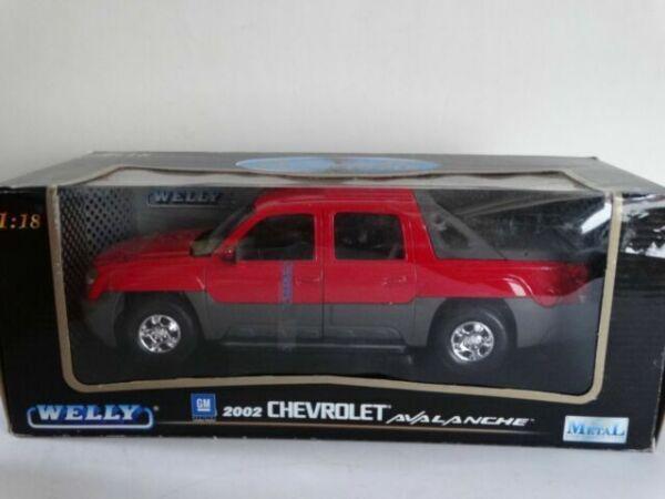 Chevrolet Avalanche 2002 grün Modellauto Welly 1:38