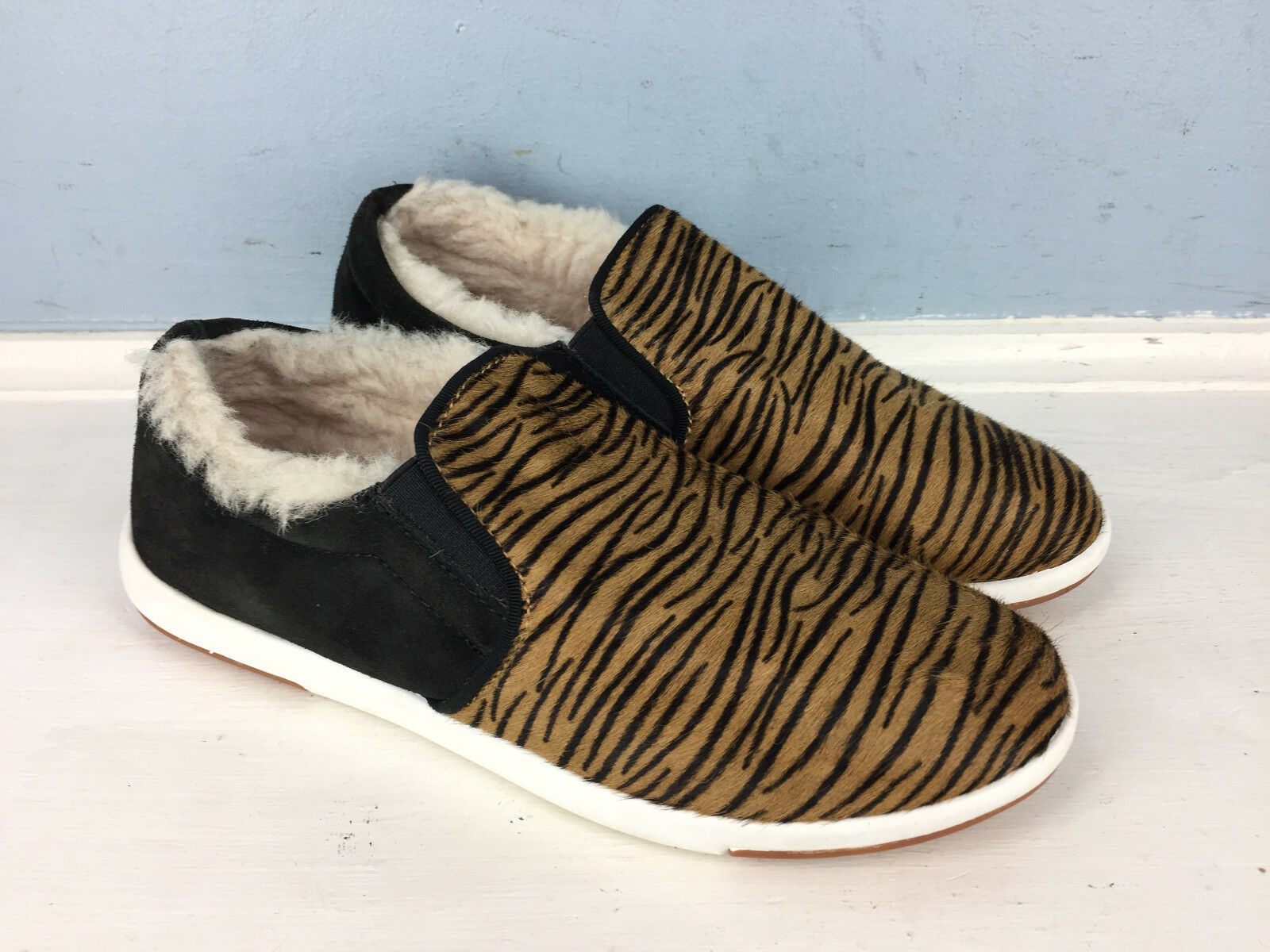 EMU Australia 6 slip on sneaker calf hair animal print EUC Shearling Sherpa