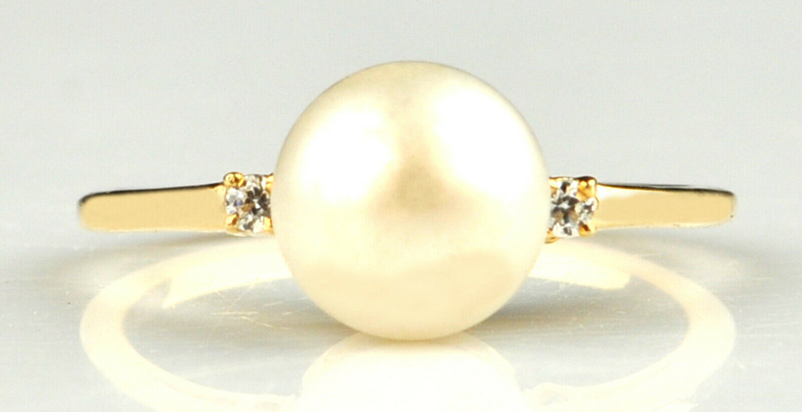 14KT Yellow gold Natural Freshwater Pearl 1.63Ct EGL Certified Diamond Ring