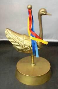 Music-Box-Brass-Vintage-Duck-Figurine-Spins-amp-Plays-Music-Works-good