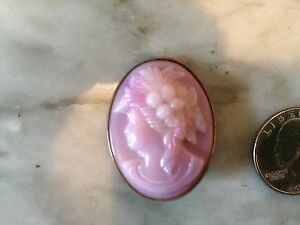 Vtg-antique-edwardian-victorian-faux-cameo-pink-glass-brass-brooch