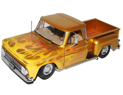 Chevrolet Chevy pick-up c-10 stepside 1965 lowrider amarillo oro con llamas 1//18 s