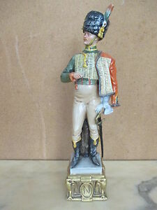 Statuina-porcellana-soldatino-firmata-Bruno-Merli-Ussaro-capodimonte