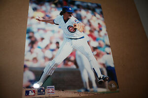 CHICAGO-CUBS-DENNIS-ECKERSLEY-UNSIGNED-8X10-PHOTO-POSE-1