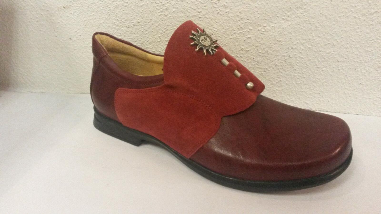 Think! Schuh Modell Pensa roter Slipper Sonne - Mond + THINK Papiertüte