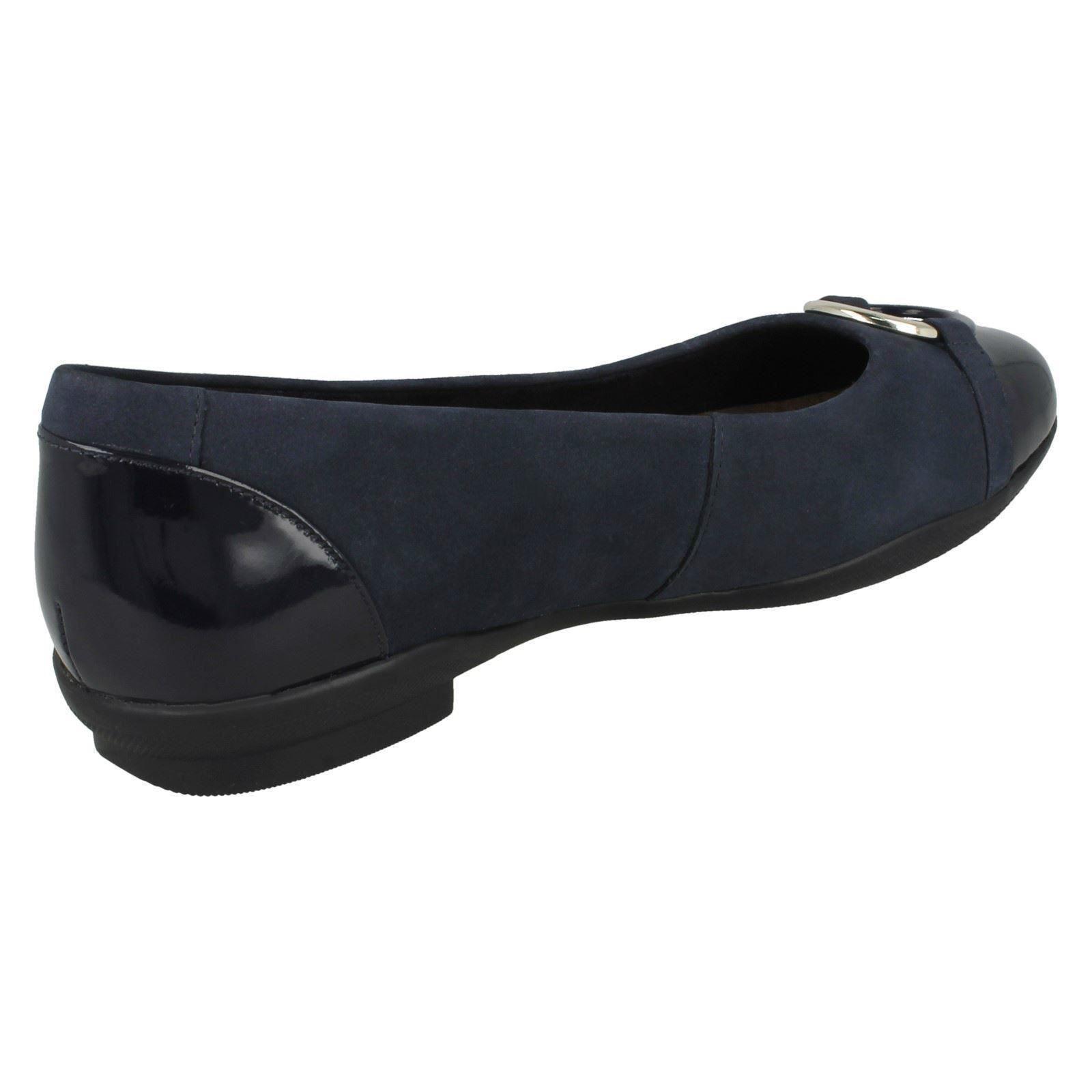Damen-Marine Elegant Nubuk Leder Clarks Lässig Elegant Damen-Marine Dolly-Schuhe Zum Reinschlüpfen 4cdc88