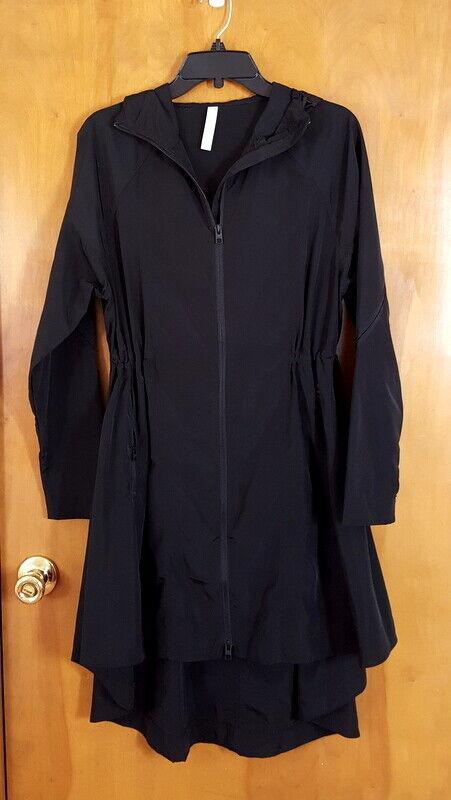 ATHLETA Size XS Black Hooded Windbreaker Material Flare Hi Lo Midi Jacket