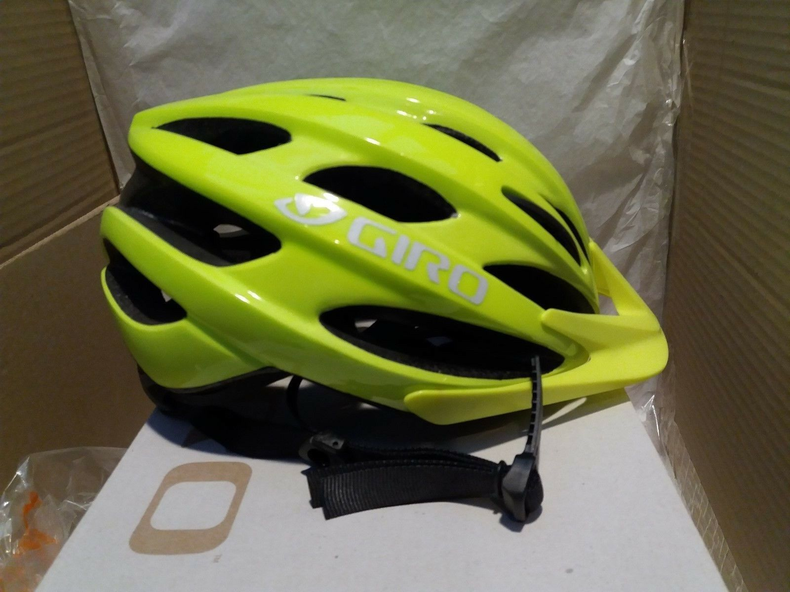 Giro Revel - Adult Cycling Helmet - Highlight Yellow - Universal Fit 54-61 cm