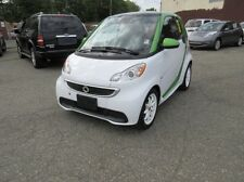 2013 Smart FORTWO ELECTRIC DRIVE COUPE KINETIC GREEN AND TECHNOLOGY PACKAGE