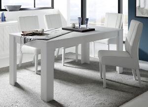 Tavolo da pranzo moderno allungabile laccato opaco bianco soggiorno