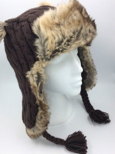 BOYS BROWN CABLE KNITTED FAUX FUR HAT TASSLE EARS BNWOT 0069