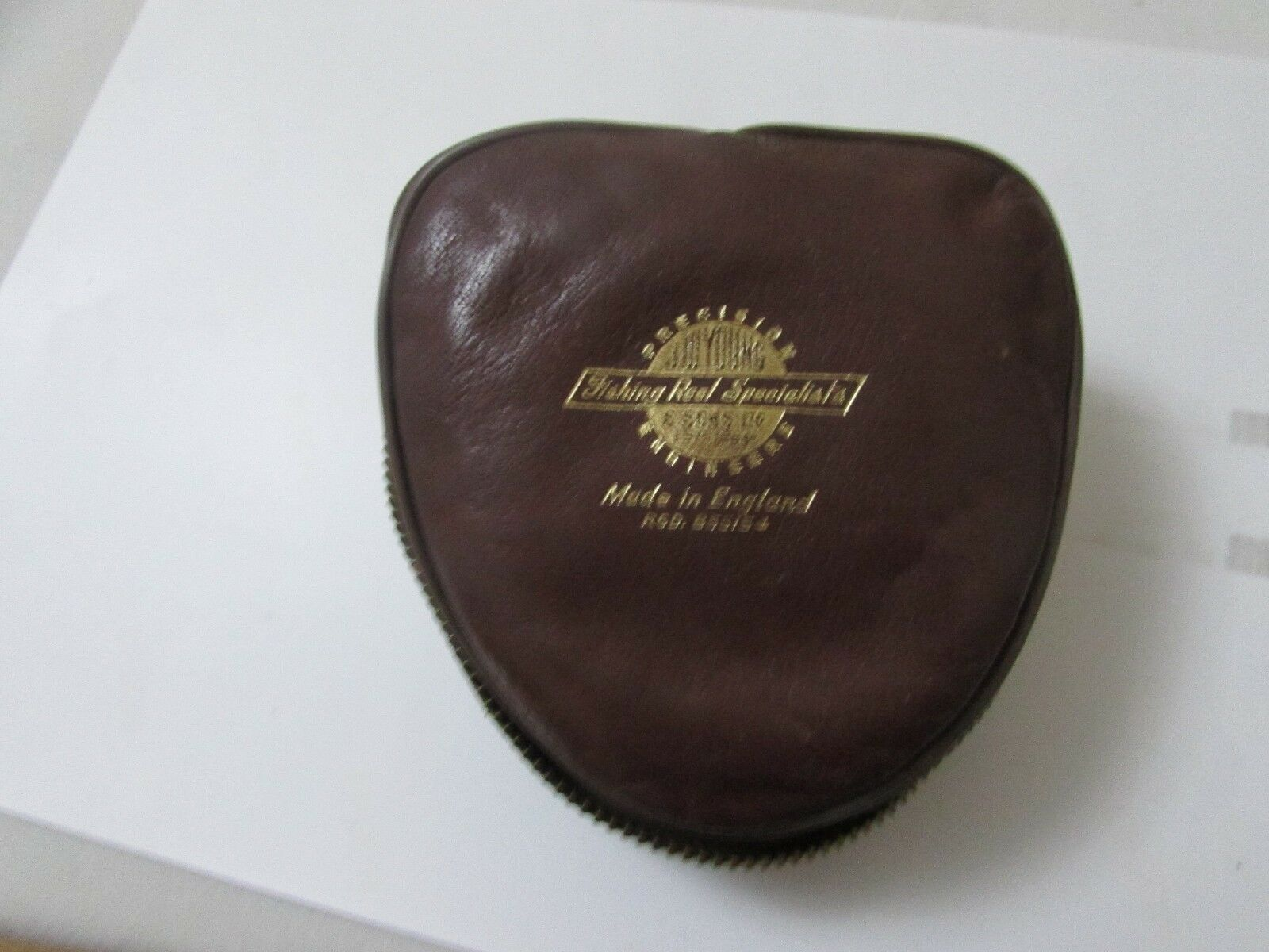 V good vintage JW youngs trout fly fishing reel case leather pigskin