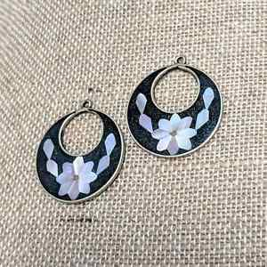 Details About Vintage Mexico Alpaca Silver Mother Of Pearl Flower Inlay Earrings 7g
