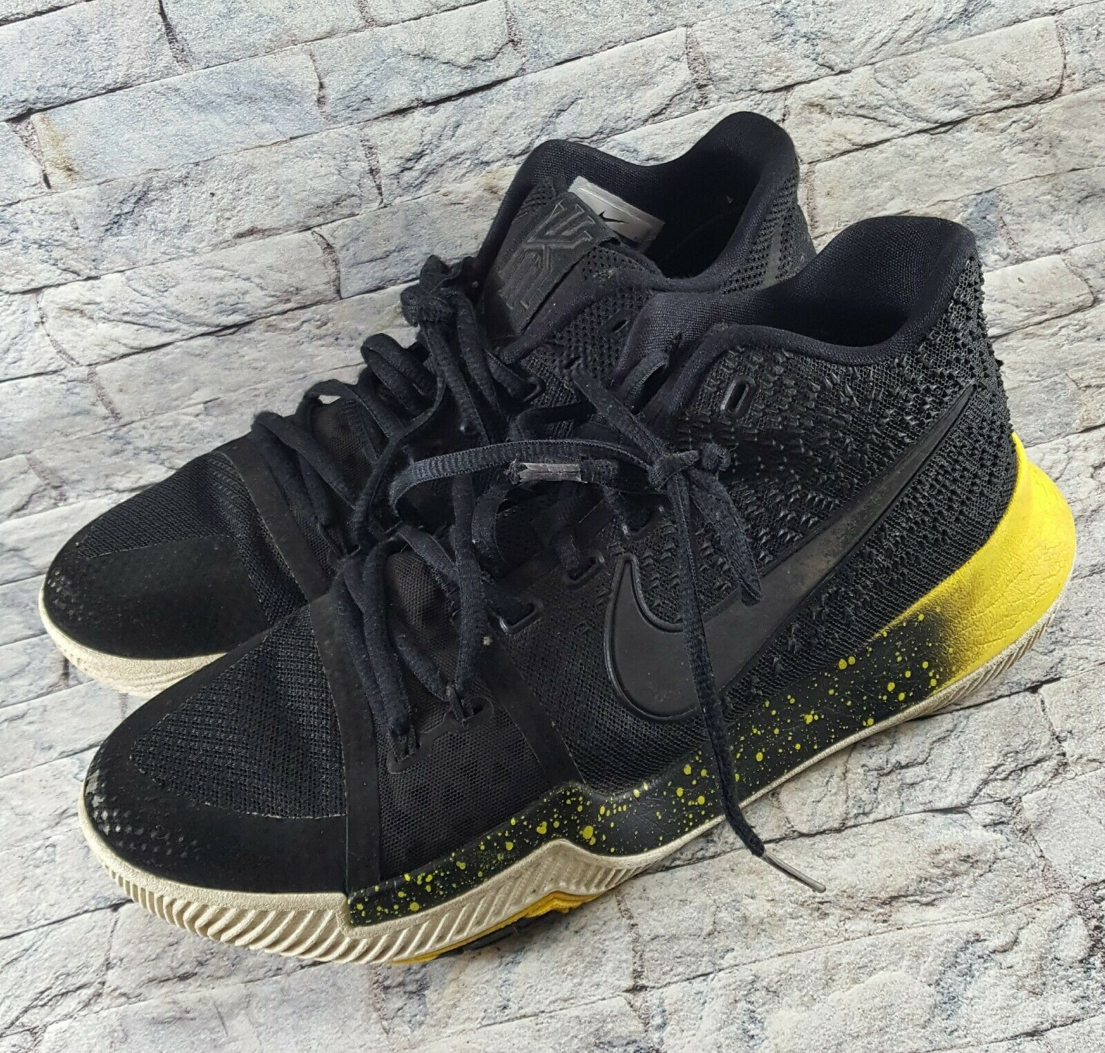 Nike Kyrie 3 Black Yellow White Mamba Mentality Bruce Lee 852395-901 shoes Sz 8