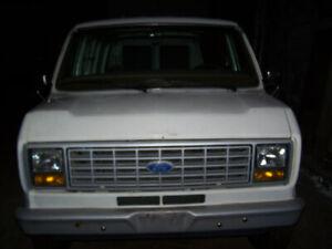 Ford Econoline van 1987 – full size - 55,428 original km