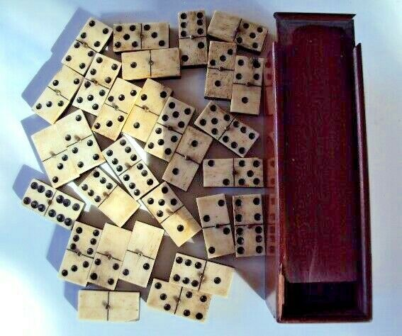 Old box of 29 dominos bone