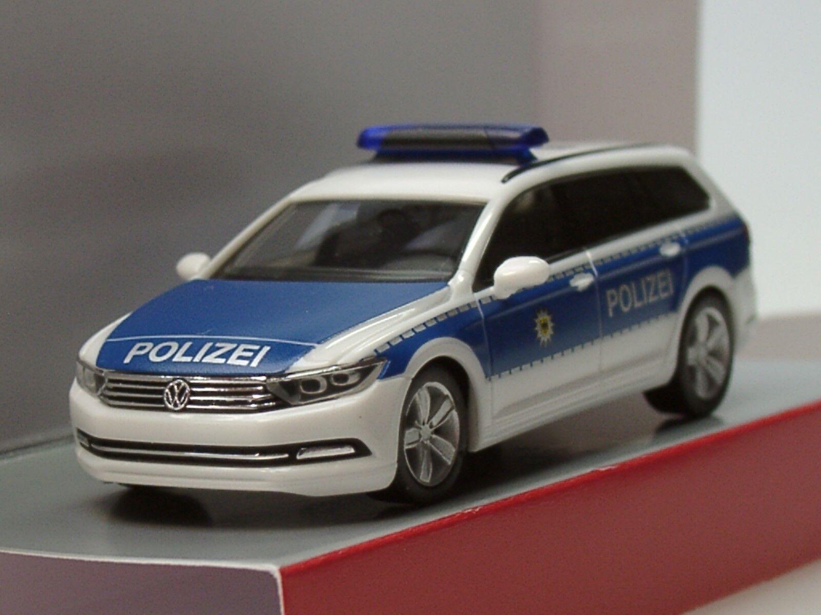 Herpa VW Passat Variant B8 Bundespolizei - Dachkennung  15 895  - 1 87