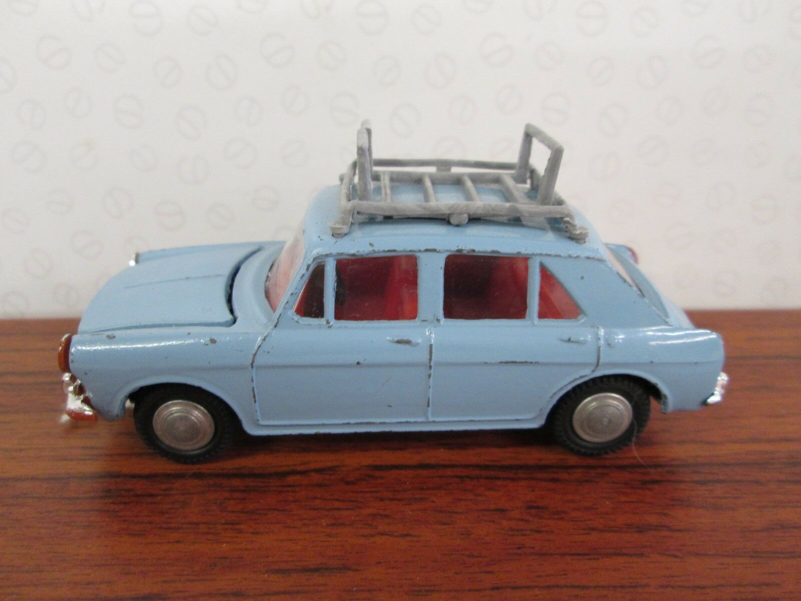 SPOT ON. Morris 1100. 1 1 1 42. 1965. Pale bluee.  274 9be0d9