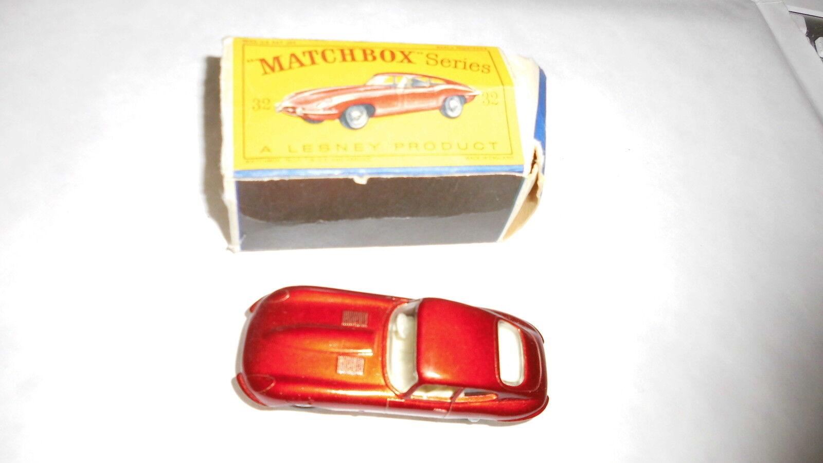 Matchbox, jaguar type E tres bel etat en boite abimée