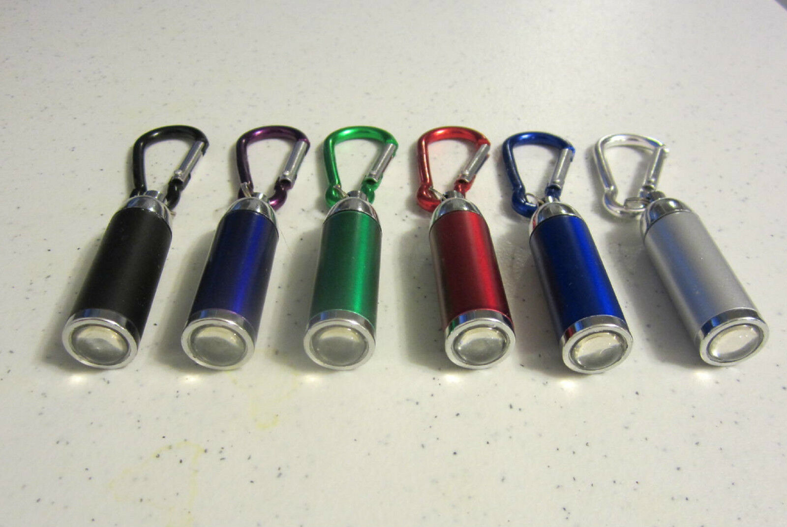 60 NEW CARABINER LED FLASHLIGHT KEYCHAINS WITH ZOOMABLE ZOOMABLE WITH LIGHT KEY CHAIN RING a65487