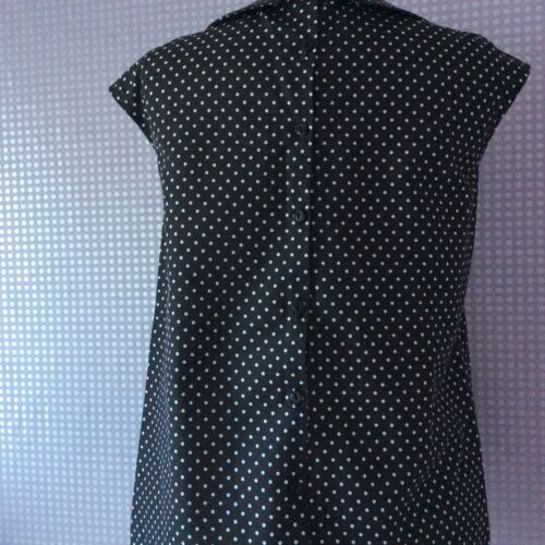 Black /& white polka dot Peter Pan collar button back cap sleeve blouse