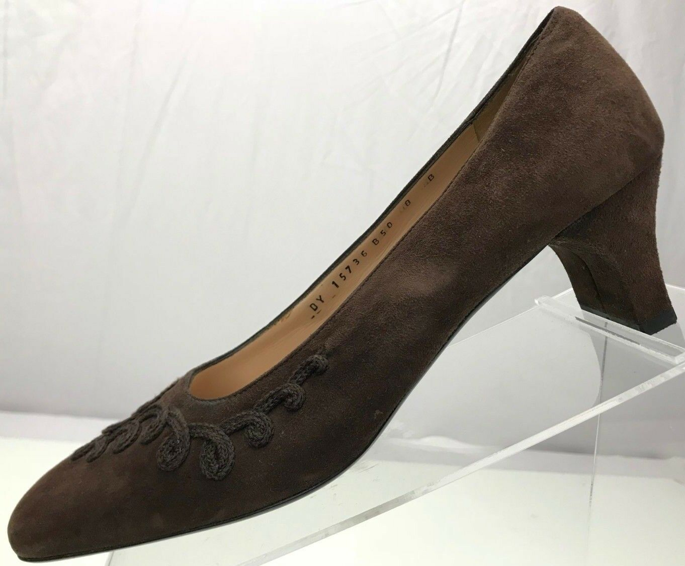 Salvatore Ferragamo Boutique Pumps- Embroidered Suede Heels  Women 8B Brown