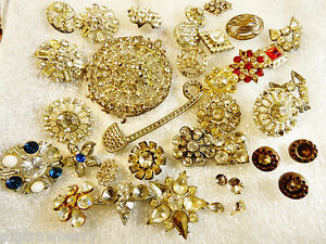 Antique-VTG-Pot-Metal-Glass-Crystal-Mix-lot-of-16-Buttons-for-Repair-or-crafts