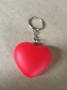 Schluesselanhaenger-Herz-Love-Herzchenanhaenger-mit-LED-Beleuchtung-Liebe-ROT