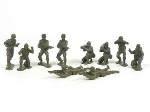 New-Ray-WWII-Soldiers-Pack-Of-Ten-1-32-Scale-54mm-Military-Toys-Plastic-Soldiers