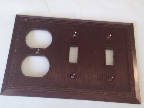New Vintage Leviton 3 gang switch plate wall cover diamond /& dots  Bakelite