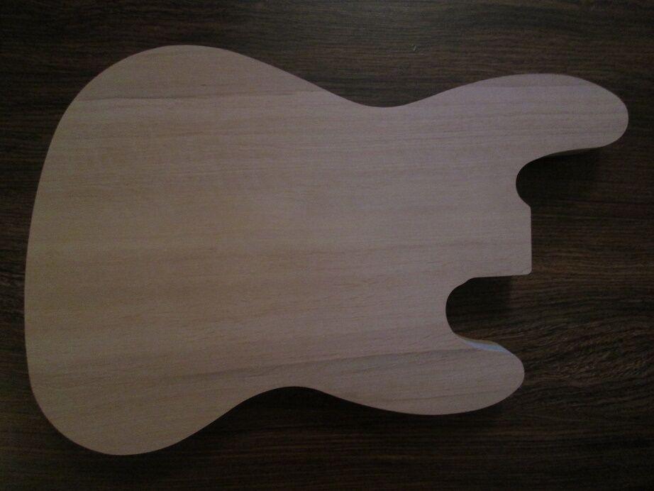 E-Gitarren Korpus Body J-Bass Form rot alder Roterle